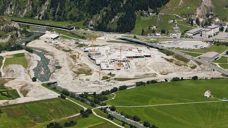 Baustelle von Investor Samih Sawiris in Andermatt. Franz Weber droht mit Klagen.