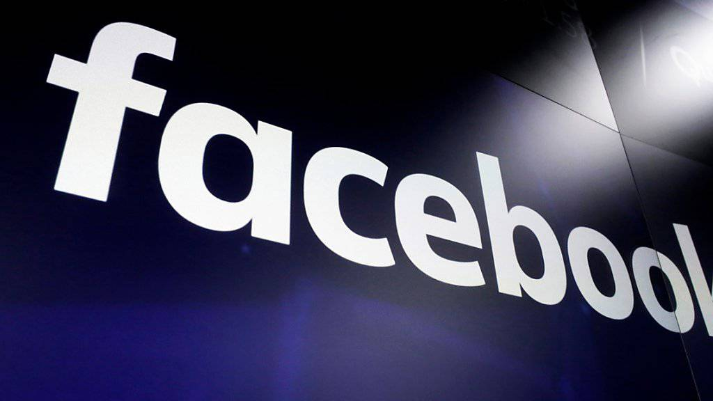 Das soziale Netzwerk Facebook will bei der Europawahl neue Regeln für die Wahlwerbung anwenden, die sich andernorts bereits bewährt haben. (Archivbild)