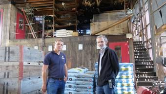 Merenschwand: Feuerwehr und Brandschutztechnik verhindern Grossbrand in Kistenfabrik und Heggli Gartenbau