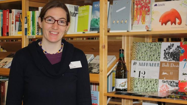 Muss für einen Tag Platz machen: Die Geschäftsführerin Maya Itin im Buchladen Rapunzel. Milena Steiger