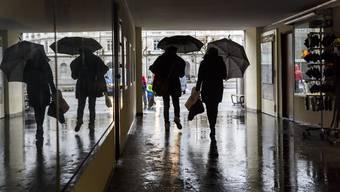 Die Schirme wurden im November selten gebraucht - jetzt ist alles anders.