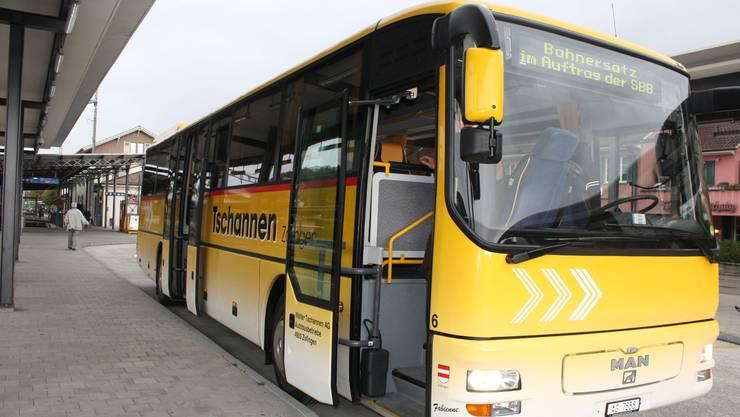 Als Bahnersatz werden nächste Woche tagsüber Busse von Sissach nach Olten fahren. (Archiv)