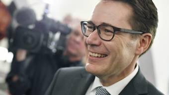 Der St. Galler CVP-Regierungsrat Benedikt Würth (CVP) geht als Favorit in den zweiten Wahlgang für die Ständerats-Ersatzwahl für Bundesrätin Karin Keller-Sutter (FDP).