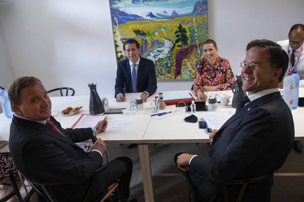 Die «Sparsamen Vier» treffen sich zur Lagebesprechung. Von links: Schwedens Stefan Löfven,  Österreichs Bundeskanzler Sebastian Kurz, Dänemarks Premierministerin Mette Frederiksen und der niederländische Wortführer der Gruppe, Mark Rutte.