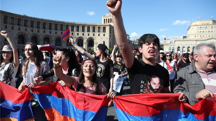 Proteste in Armeniens Hauptstadt Jerewan: Gegen das System aus Oligarchen, Seilschaften und Korruption. EPA/Keystone