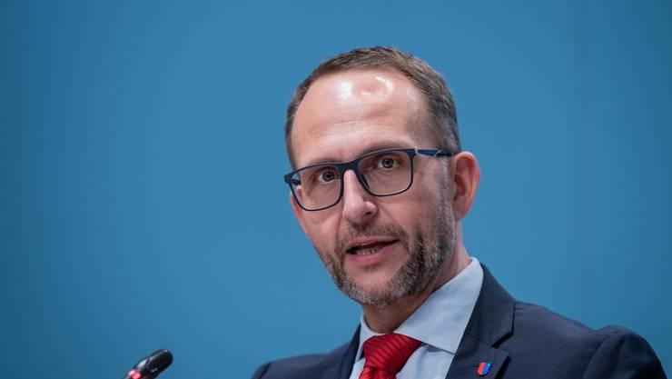Die Tessiner Regierung unter Präsident Norman Gobbi fordert den Bund auf, wieder wie im Frühling Notrecht zu verhängen.