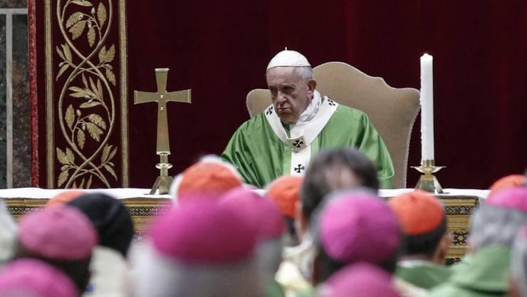 Papst Franziskus bei der Abschlussmesse beim Anti-Missbrauchsgipfel der katholischen Kirche im Vatikan