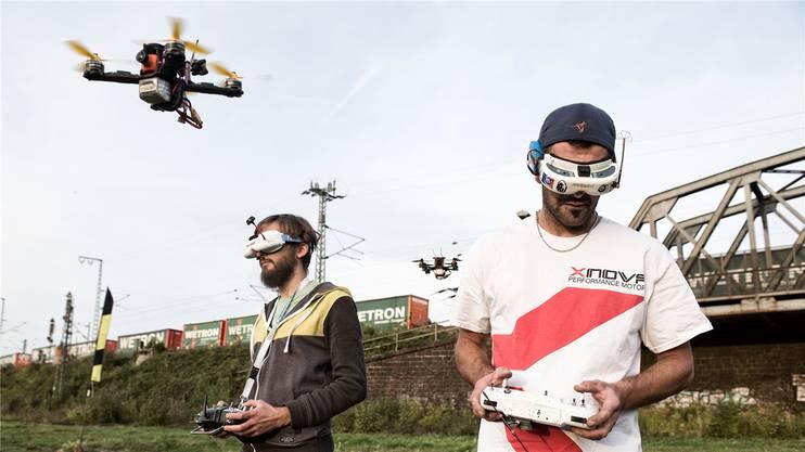 Timothy Trowbridge (links) und Sascha Müller beim Training. Sie vertreten die Schweiz an der Europameisterschaft in Ibiza.