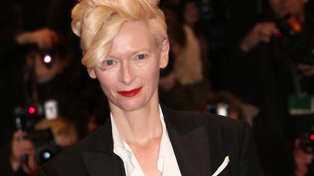 Der Berlinale-Look: Tilda Swinton in schwarz-weiss (Archiv)