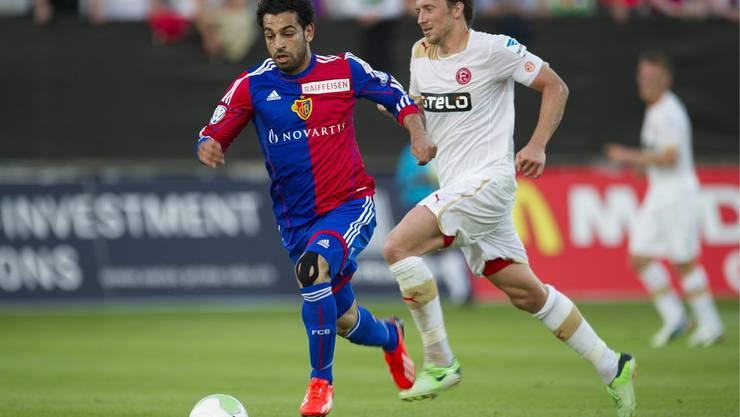 Mohammed Salah im Laufduell.
