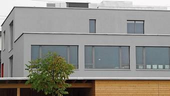 Der Erweiterungsbau soll eine Etage mehr erhalten.