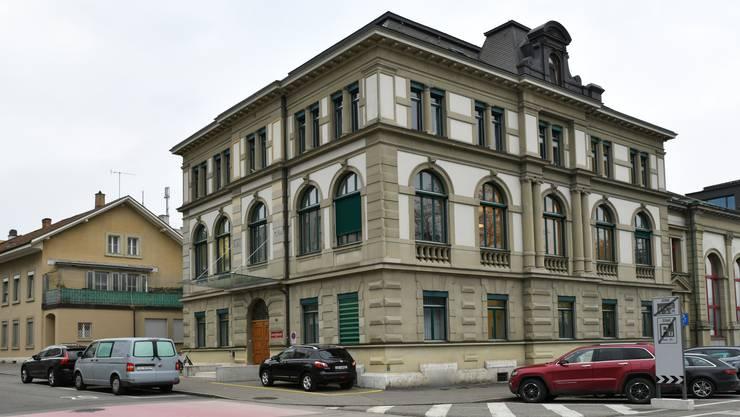 Das Amtsgericht Olten-Gösgen spricht gegen einen 23-jährigen Kosovaren einen 5-jährigen Landesverweis aus..