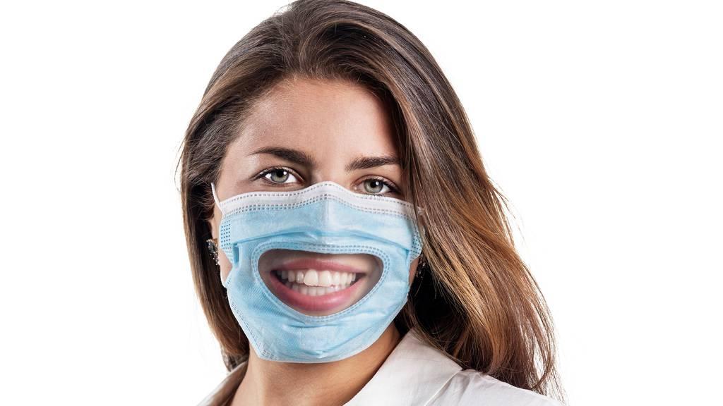 Diese Maske soll Personen mit einer Hörbehinderung den Alltag erleichtern.