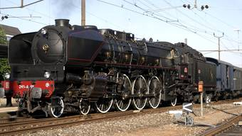 Diese Dampflokomotive 241.A.65 wird die nicht mehr fahrtüchtige «Tabaklok» am Sonntag bis nach Full ziehen. Fotos: Hans Schär