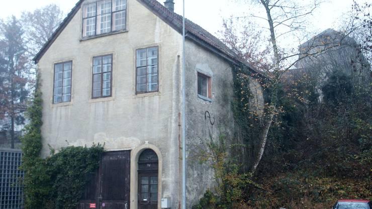Soll so rasch als möglich abgerissen werden: Die Liegenschaft an der Mühlemattstrasse 76.