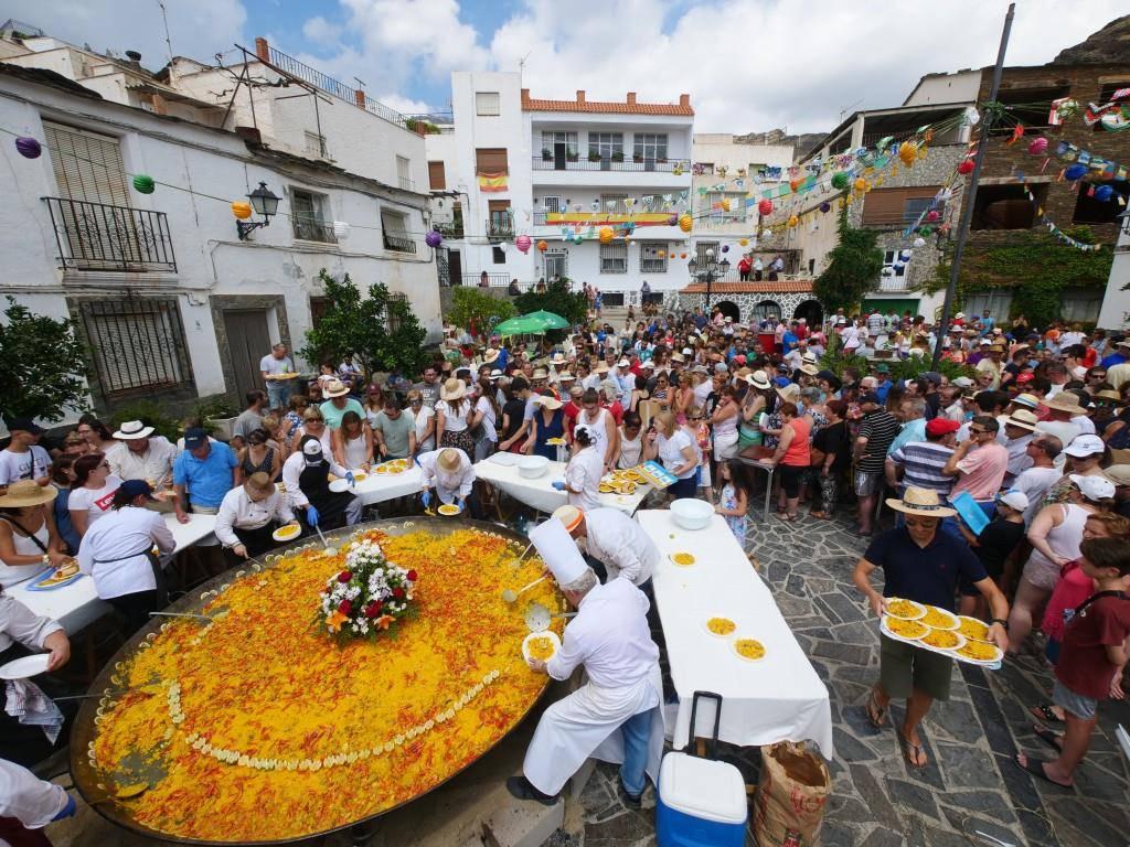 In Spanien gehören sich fünf bis zehn Prozent Trinkgeld. (© istock)