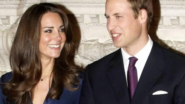 Die frisch Verlobten können den Weihnachtstag nicht zusammen verbringen, da Prinz William arbeiten muss (Archiv)