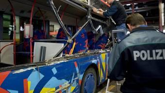 Der Bus nach dem Unglück (Archiv)