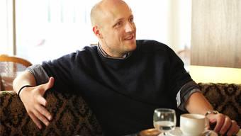 Laurent Gröflin hat Literatur und Kunst zu seinem Beruf gemacht. Nun kommt die Basler Fasnacht hinzu.