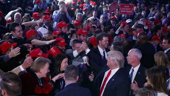 Die Trump-Anhänger: Viele von ihnen sind Globalisierungsverlierer. (AP Photo/Evan Vucci)