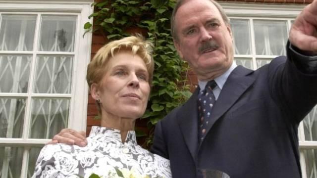John Cleese mit seiner ruinösen Ex-Frau Alyce Faye (Archiv)