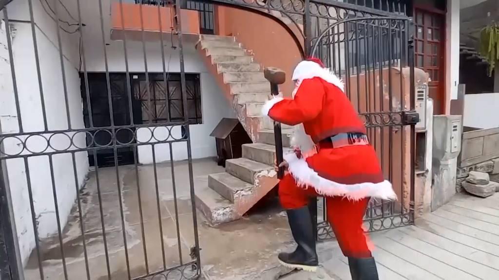 Jagd auf böse Jungs: Weihnachtsmann führt Razzia an