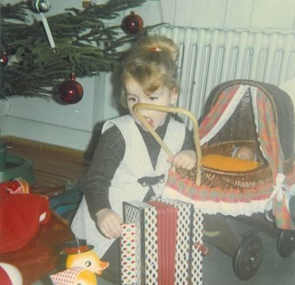 Das Puppenwägeli, das Bircher als Dreijährige bekam, existiert noch heute. zvg