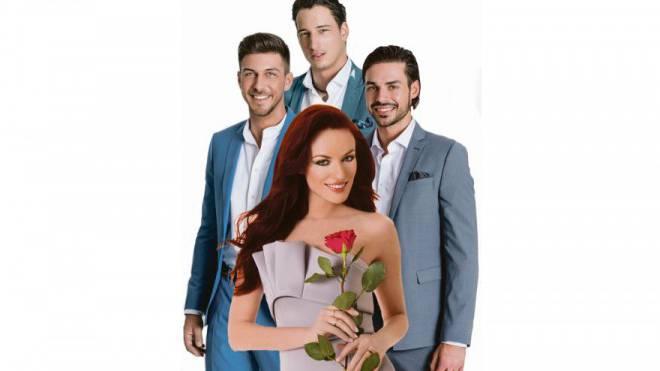 Bachelorette Zaklina Djuricic mit den drei Finalisten Michael, Oliver und Simon (v. l.). Foto: 3Plus