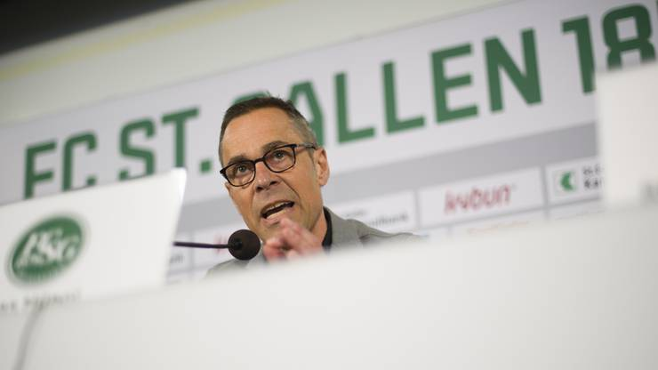 Als Matthias Hüppi im Winter der neue Präsident des FC St. Gallen wurde, rieben sich die Leute verwundert die Augen. Ein Fernsehmoderator an der Spitze eines Super-League-Vereins? Kann der das? Noch ist es für eine Antwort zu früh. Doch Hüppi und Mitstreiter Alain Sutter geben Gas und sortieren aus, wer nicht auf ihrer Wellenlänge schwingt. Trainer Contini musste gehen, mit Zeidler soll nun Spektakel geboten werden. Das Energiebündel Hüppi hat in der Ostschweiz für eine Aufbruchstimmung gesorgt. Der Moderator ist auch im Fussball ganz in seinem Element. Doch nach gutem Start sind die Resultate auf dem Rasen schlecht geworden. Jetzt müssen Hüppi und Sutter liefern.