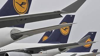 Lufthansa fliegt Verlust ein (Archiv)