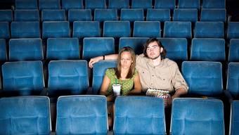 Wer während der Fussball-WM ins Kino geht, wird sich nicht über Platzmangel oder störende Sitznachbarn ärgern müssen. iStockphoto