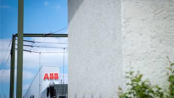 Nun stehen aber plötzlich die Aktionäre selber im Visier, die viel Macht, aber kaum Pflichten haben und wie im Fall ABB ohne Rücksicht auf das Unternehmen unkontrolliert ihre Investoreninteressen durchsetzen.
