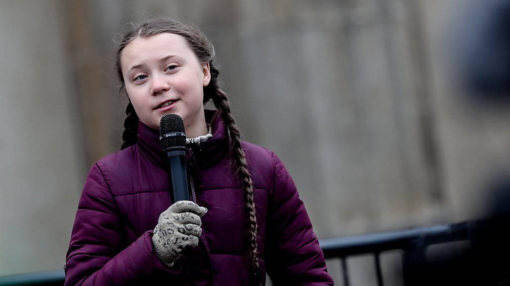 Die schwedische Klimaschutzaktivistin Greta Thunberg vor dem Brandenburger Tor in Berlin.