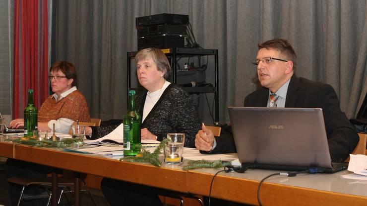 Präsidentin Barbara Fankhauser informierte detailliert über die Nichtwiederwahl des Bellacher Pfarrers Hermann Gilomen. Verwalter Richard Hürzeler präsentierte die Zahlen des Voranschlags 2014.