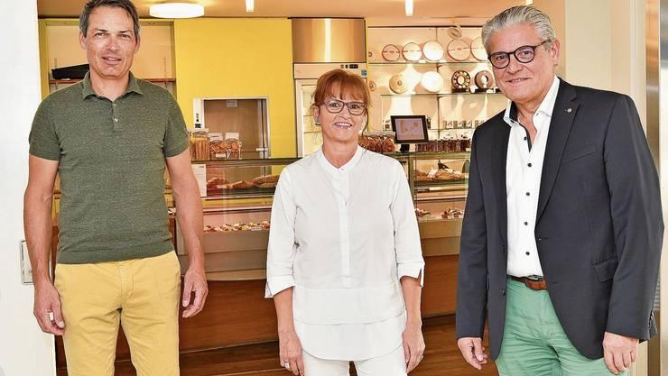 Suteria-CEO Michael Brüderli und die Franchisenehmer Bernadette Rickenbacher und Peter Oesch (von links).