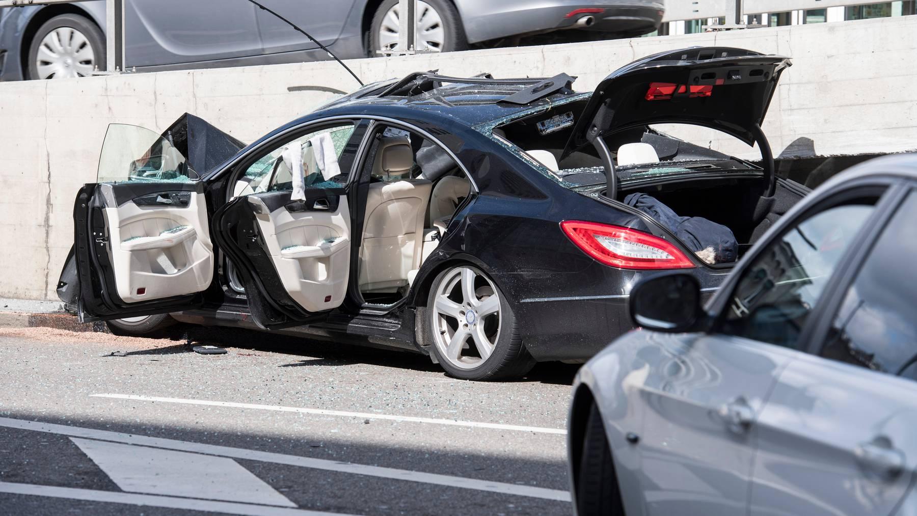Schwere Unfälle sind bei Junglenkern seltener geworden. (Symbolbild)