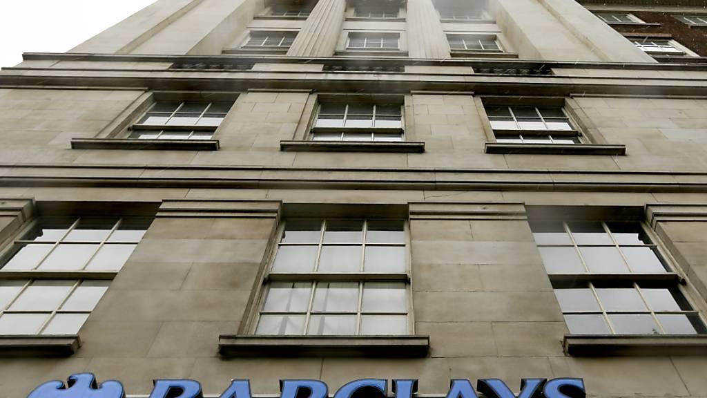 Britische Grossbanken können wieder unbegrenzt Dividenden an ihre Aktionäre ausschütten. (Archiv)
