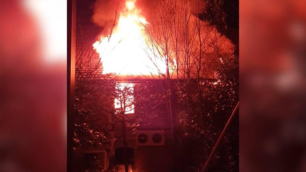 Hoher Sachschaden nach Brand in Oltner Lagerhalle