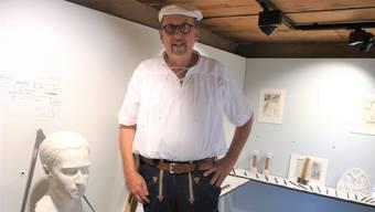 Im Obergeschoss hat Hans Peter Zuber Arbeiten und Werkzeuge des Steinbildhauers ausgestellt.