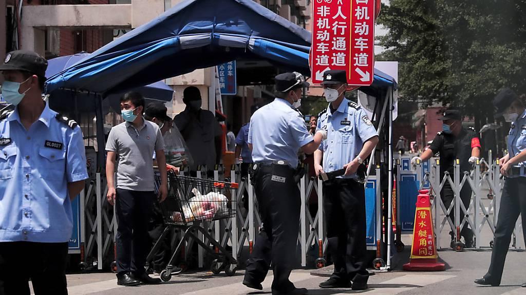 Nach Ausbruch in Grossmarkt: Beamte in Peking entlassen