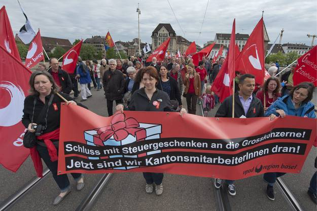 Sie fordern weniger Steuergeschenke für Grosskonzerne und mehr Unterstützung für Kantonsmitarbeiter.