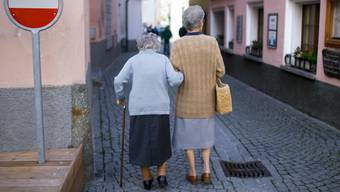 Versicherte müssen sich mit dem Entscheid erneut auf tiefere Renten einstellen. (Symbolbild)