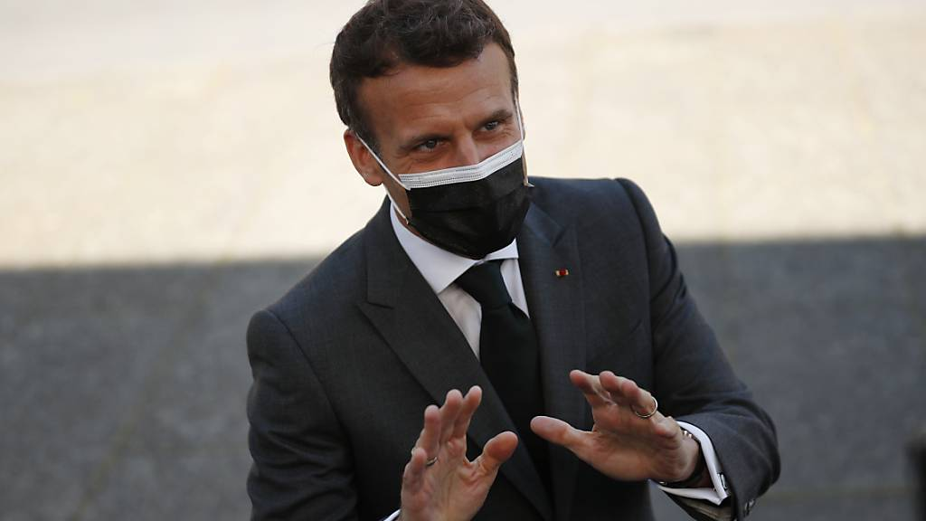 Macron erinnert am Triumphbogen an Weltkriegsende