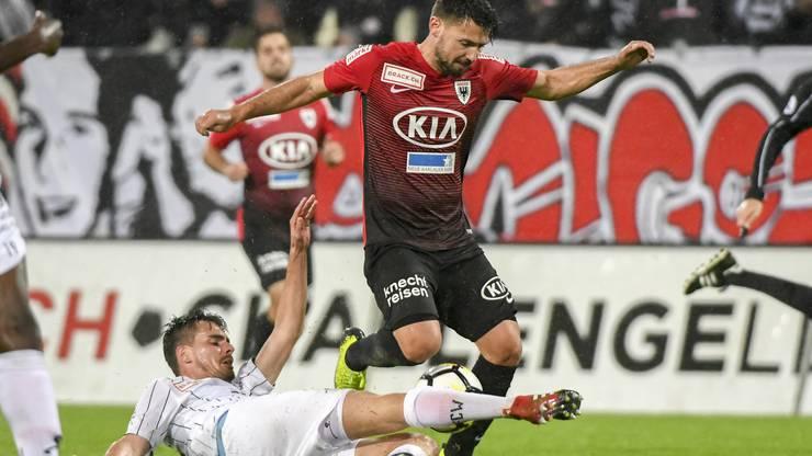 Der FCA (im roten Trikot Frontino) will gegen Winterthur zum Siegen zurückfinden