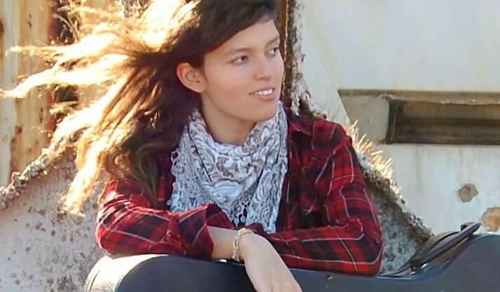 Andrea Bàez: Musik zur Sprache – oder umgekehrt Sprache zur Musik? Im Zentrum Lee trat eine beeindruckende junge Künstlerin auf.