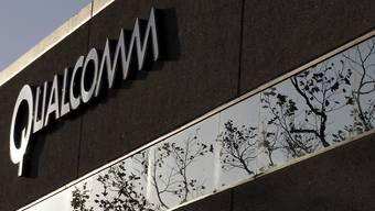 Der Chipkonzern Qualcomm hat mit seinen Quartalsresultaten und dem Geschäftsausblick die Investoren überzeugt. (Archivbild)