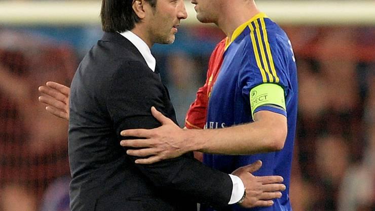 Marco Streller (r.) steht FCB-Trainer Murat Yakin noch bis 2015 zur Verfügung.GEORGIOS KEFALAS/Keystone