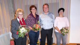 Gesamtschulleiterin Eva Davanzo (v. l.), Karin Büttler-Spielmann (neu Präsidentin KSTh), Alois Christ (als Präsident und Vorstandsmitglied zurückgetreten), Verena Meister (Schulleiterin Schulstandort KSTh Matzendorf).