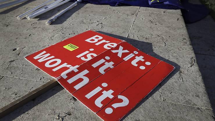 Brexit: Ist es das wert? Tatsächlich ist Grossbritannien wegen des EU-Austritts in eine grosse Krise geraten, das Land ist gespalten.