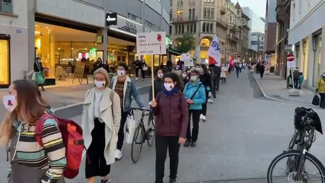 Gesundheitsmarsch durch die Freie Strasse